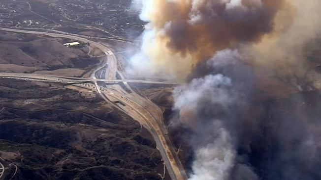 Canyon Fire 2 Prompts Extended Smoke Advisory Through Wedesday