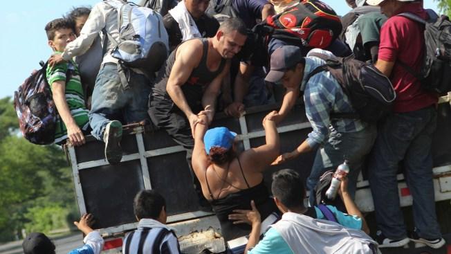 Migrant Caravan Must Walk as Mexico Ignores Demand for Buses