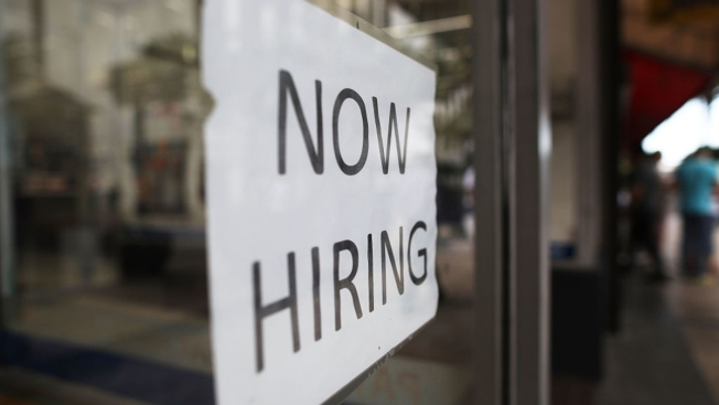Workers Benefit as US Businesses Struggle to Fill Jobs
