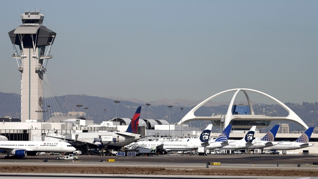Gusty Winds Cause Delays at LAX