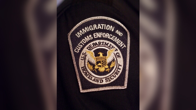 Oregon Man Tried to Bribe ICE Officer to Deport Wife, Her Child