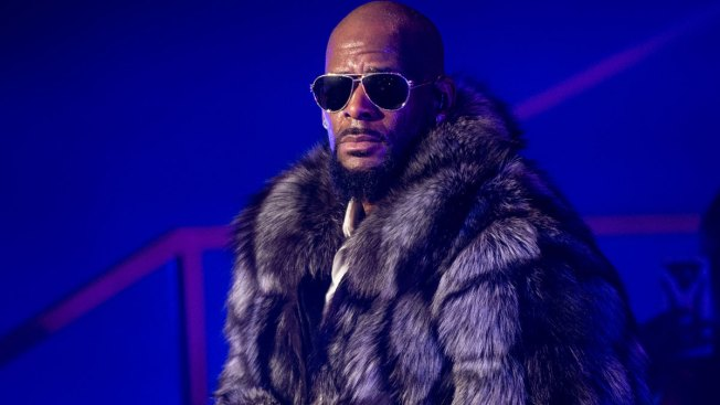 R. Kelly Stages Racy Performance Amid Protest, Allegations