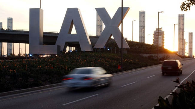 Measles Infected Passenger Passes Through LAX