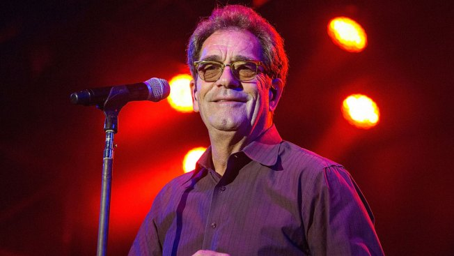 Huey Lewis, Suffering Hearing Loss, Cancels 2018 Tour