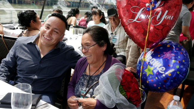 Mexicans Reunite With Children in US Under Special Program