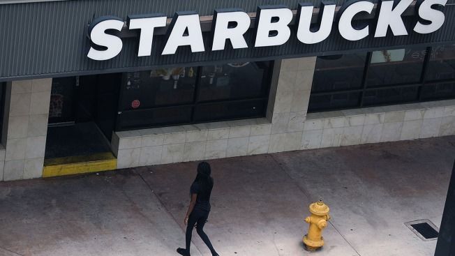Starbucks to Accelerate Store Closings Next Year