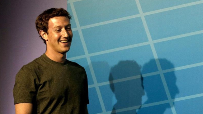 Mark Zuckerberg Takes Clothing Advice from Steve Jobs