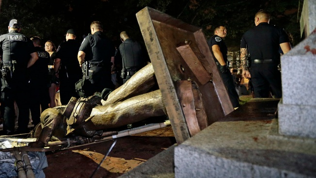7 Arrested in Clashes Over Confederate Statue at University of North Carolina