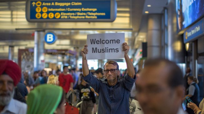 Grandparents now welcome under travel ban