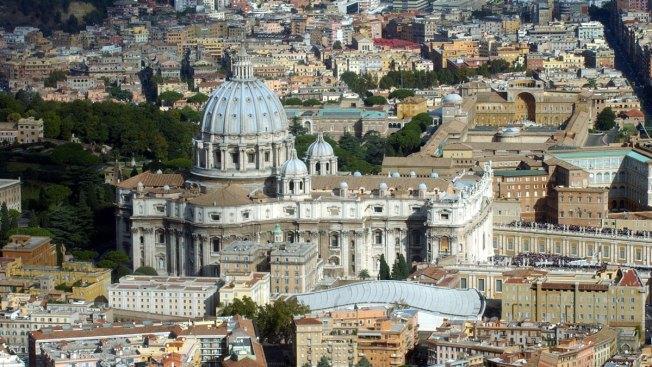 McDonald's Opens in Vatican-Owned Building