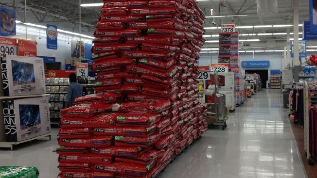 Texas Wal-Mart Lowers Dog Food Display Amid Safety Concerns
