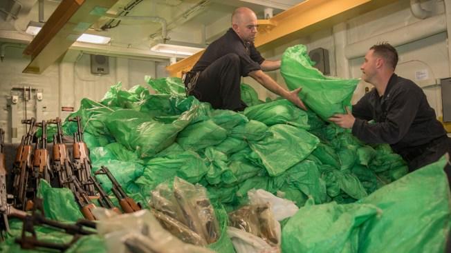 US Navy Seizes 1,000 Smuggled Rifles Off War-Torn Yemen
