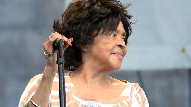 Yvonne Staples of Hit-Making Staple Singers Dies in Chicago