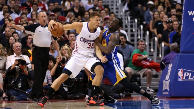 Clippers Fight Distractions, Win Crucial Game 5