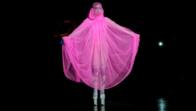Lady Gaga, Westwood Top London Fashion Shows