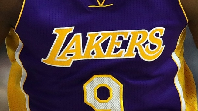 Lakers Showoff New Jerseys For 2017-18 Season