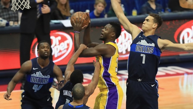 Lakers Win Fourth Straight After OT Thriller in Dallas