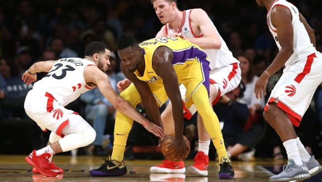 Lakers Lead Big But Raptors Win 101-92