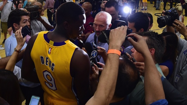 What Does Luol Deng Do During Lakers' Games?