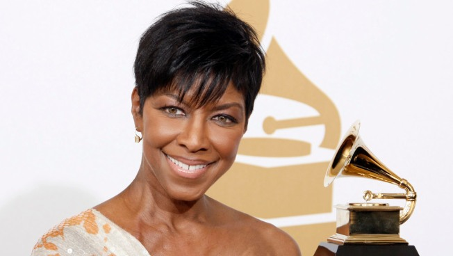 Celebrities React to Natalie Cole's Death
