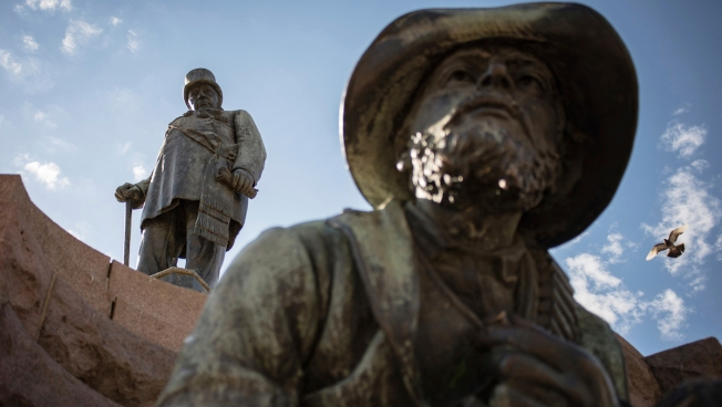 South Africa Debates Painful Legacy Over a Statue