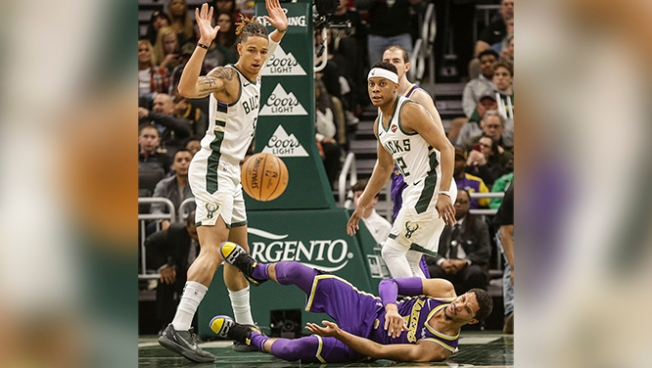 best service 52f88 908a0 Lakers' Josh Hart Done for Season With Right Knee Injury ...