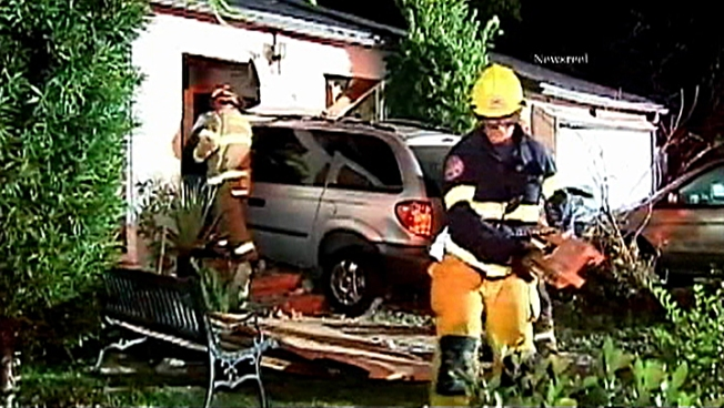 Minivan Crashes into Home; No Injuries