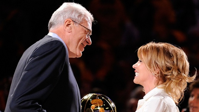 Knicks president Phil Jackson, Lakers president Jeanie Buss end engagement