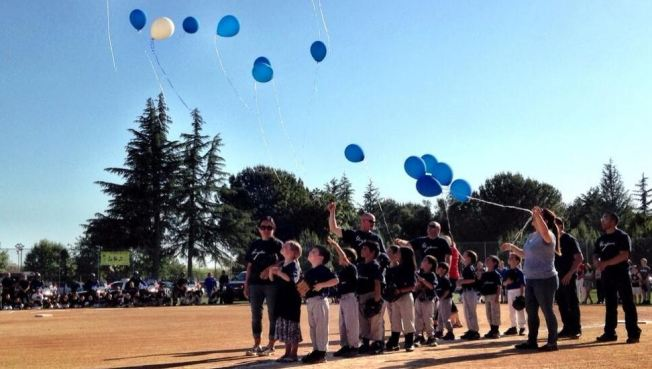 T-Ball Players Pay Tribute to Coach Who Died in Crash