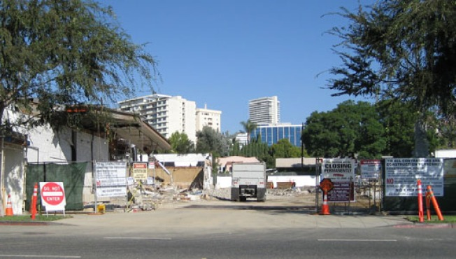 Discontinued (Until 2009): West Hollywood Pavilions Half-Demoed