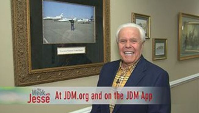Televangelist Wants Followers to Pay for $54M Jet: 'Jesus Wouldn't Be Riding Donkey'
