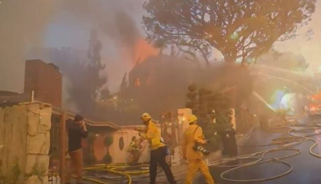 Firefighters Contain Skirball Fire by 50 Percent, Some Evacuees Allowed Home