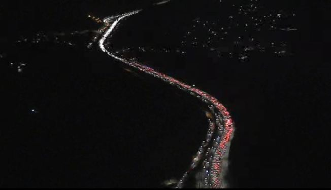 Fatal Crash Closes Lanes on 405 Freeway in the Sepulveda Pass