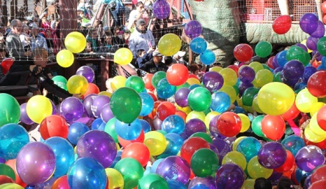 Noon Year's Eve: Families, Balloons, Daylight
