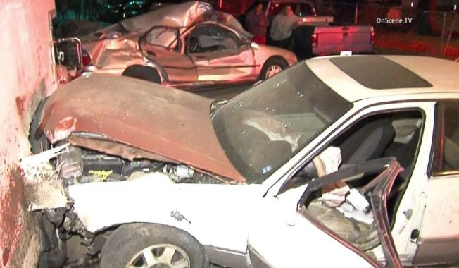 Awe Inspiring Hit And Run Driver Smashes Into Cars At Mobile Home Park Download Free Architecture Designs Scobabritishbridgeorg
