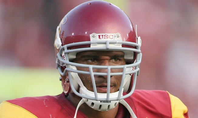 Former USC Football Player Dies While Walking on Los Angeles Freeway: Report