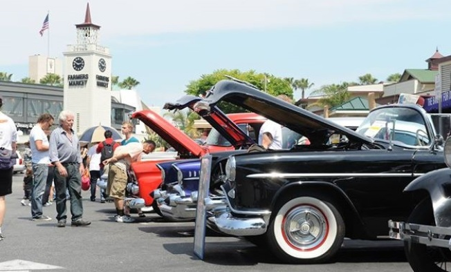 Free Show: 100+ Vintage Cars at Farmers Market