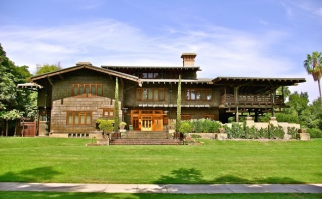 Evening Tour: Stroll the Gamble House with Your Valentine