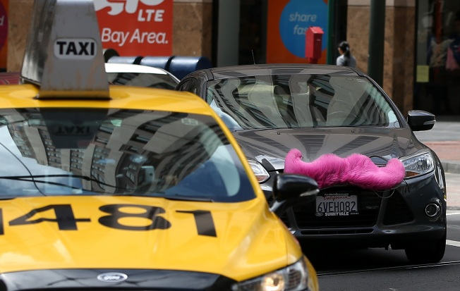 Uber, Lyft Drivers Nabbed in LAPD Stings Funded by Taxi Industry