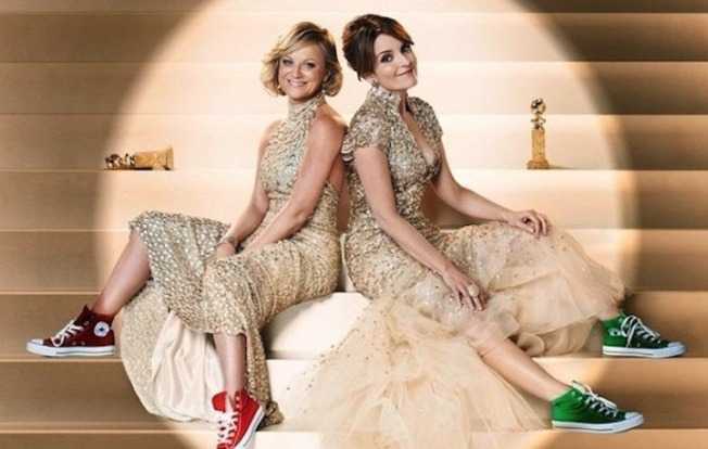 Poehler, Fey Rock Gowns and Sneakers in Latest Globes Tease