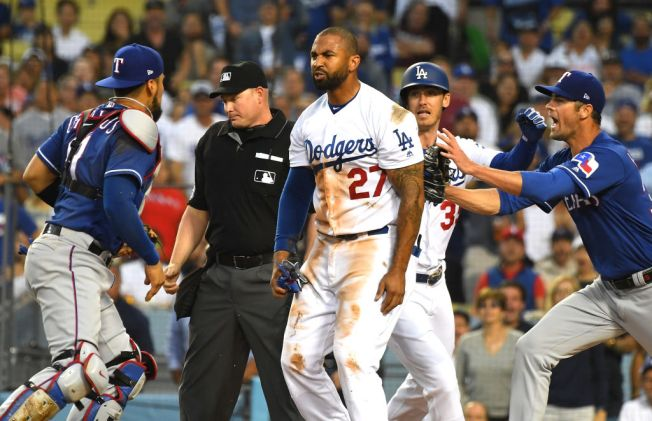 VIDEO: Benches Clear Between Dodgers and Rangers After Matt Kemp Barrels into Robinson Chirinos at the Plate
