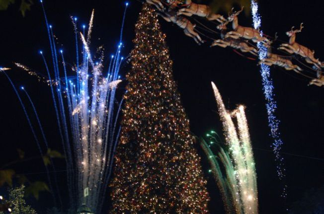 Is The Grove's Holiday Tree a Fake?