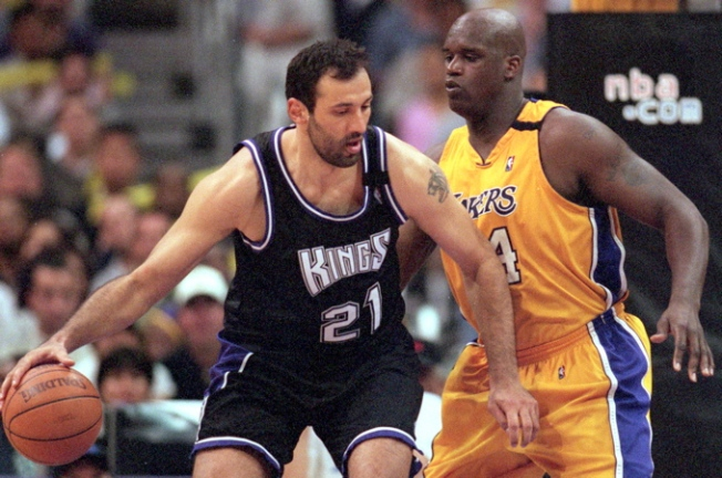 Vlade Divac To Get Jersey Retired -- In Sacramento