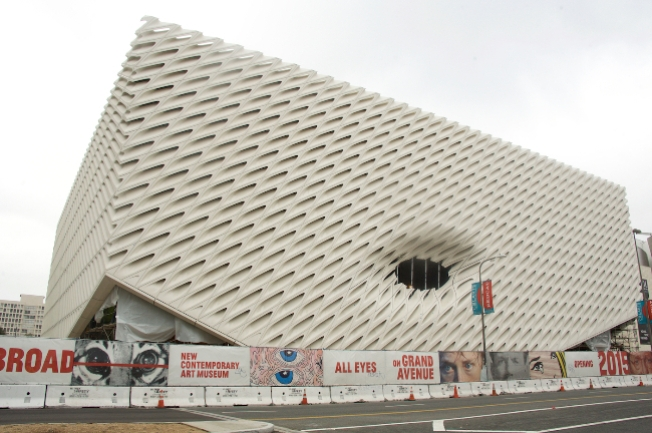 First Peek: The Broad's Scaffolding Time-Lapse