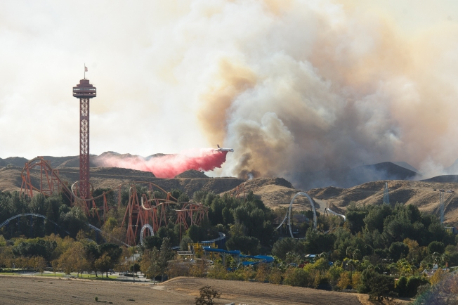 LA's 5 Freeway Shut Down Due to Santa Clarita Wildfire