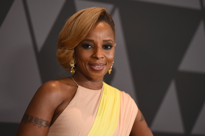 Blige, Glover, Jay-Z in Spotlight at NAACP Image Awards