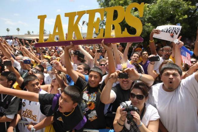 Lakers, Time Warner Team Up for New LA Cable Sports Channel