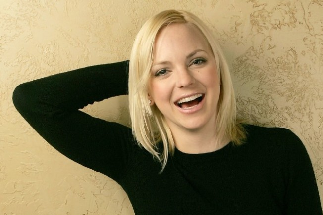 Anna Faris Gets Spotlight at Night at the Aero