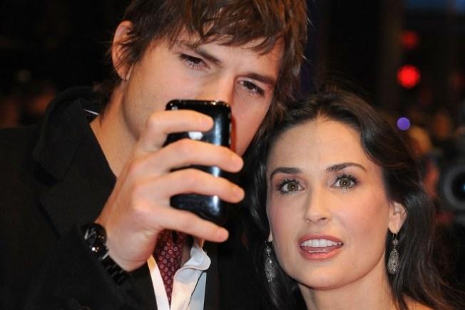 Starry Tweeters: Ashton Kutcher and Demi Moore