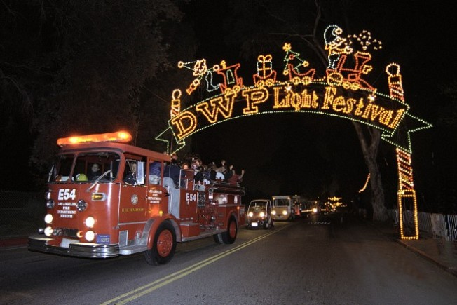 Canoodle in the Park: DWP Holiday Light Festival Opens